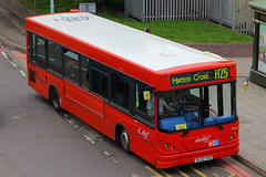 RL02 FOU, Hatton Cross, London, May 15th 2015 (Southsea_Matt) Tags: rl02fou routeh25 8461 dennisdart londonbus hattoncross greaterlondon abellio may 2015 spring canon 60d bus omnibus passenger travel public transport vehicle