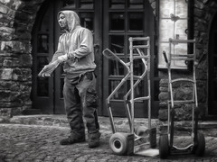 Rudesheim Deliveryman (1mpl) Tags: olympusomdem1 germany rudesheim travelphotography streetphotography bw monochrome niksilverefexpro