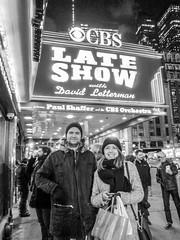 Nöjda efter att ha sett David Letterman på Ed Sullivan Theatre (hepp) Tags: new york nyc newyork david manhattan broadway letterman cbs davidletterman edsullivantheatre