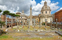 Rome : Piazza Foro Traiano / Trajan forum square (Pantchoa) Tags: italy rome roma architecture clouds nikon ruins italia nubes nuages colonnes forotraiano forun d7100 trajanforum 1685mmf3556 piazzaforotraiano
