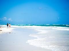 (albpen) Tags: sea beach walking mexico riviera mare maya walk spiaggia coppia messico camminare