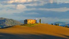 country house 7 (lotti roberto) Tags: inverno montegemoli toscana country house tuscany valdicecina fav25 fav50 fav75 fav100 fav125 fav150 fav175 fav200