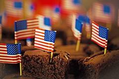 Brownie for you !! (Rainer D) Tags: 2016 dof depthoffield starsandstripes brownie dark brown flag flags 0407 independenceday redandwhite jummy canon6d
