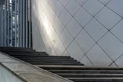 Echoes of Silence (thewhitewolf72) Tags: philharmonie luxembourg treppen stufen spiegelung sulen kirchberg weis echo licht abend stille