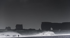 Reynisdrangar beach Iceland (Joseba Grajales) Tags: iceland islandia reynisdrangar playa beach rocas agua water paisaje landscape nikon nikond750 mar wow