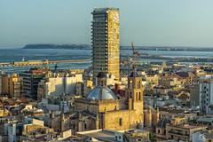 Atardecer en la baha de Alicante (Alejandro Gonzlez i Mas) Tags: atardecer sunsetlight alacant alicante arquitectura architecture mediterrneo sony a77ii minolta2875f28 sannicolas gransol manolobaeza europa