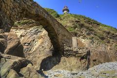 phare du portzic (menez.gilles) Tags: bretagne finistere brest phare portzic semaphore rade goulet passerelle pointe arche