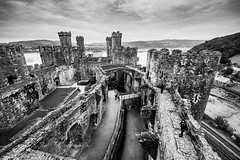 Conway Castle (Indie Images) Tags: snowdoniatrip conwaycastle monochrome blackandwhitephotograph blackandwhite castle historic history heritage