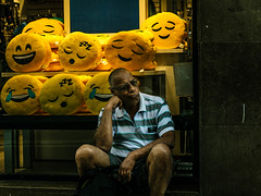 Man emoji (The Fresh Feeling Project*) Tags: elcarmen valencia emoji man manemoji mood portrait yellow street streetphoto streetphotography streetphotographer city urban emoticonos amarillo estadodeánimo enfado fotografíacallejera