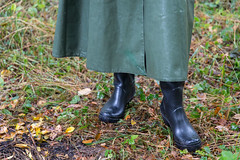 5DA07426_Gummimantel_gruen_kl (helani44) Tags: gummimantel gummistielel outdoor gummicape gummhandschuhe regenmantel gummihut regenhut