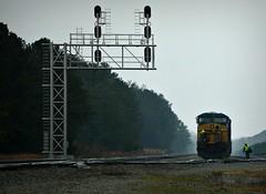 Going to work (builder24car) Tags: candid signals engineer conductor csx petersburgvirginia railfanning fogandrain es40dc q139 benchingthefreights csx5281