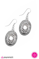 3137_2Image2(Earrings)-logo.jpg