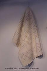 "textiel-textile-textil (Pablo Rueda Lara 1945-1993) Tags: museumvoorkeramiekpabloruedalara pabloruedalara museumpabloruedalara pablo rueda lara realistichkeramiek realisticceramicrealismoceramico keramiek ceramic ceramico ""keramieken textiel"" ""ceramic textile"" ´textil ceramica´ textiel textile textil"