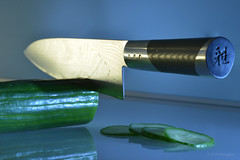 A sharp colleague in the kitchen! // En skarp kollega i köket! (pro.henrik) Tags: kitchen cucumber knife sharp ja colleague kollega miyabi gurka zwilling henckels michiba rokusaburo fotosondag fs150118