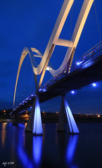 Infinity Bridge, Stockton (Dave Snowdon (Wipeout Dave)) Tags: longexposure bridge lights stocktonontees rivertees infinitybridge wipeoutdave canoneos1100d davidsnowdonphotography djs2015