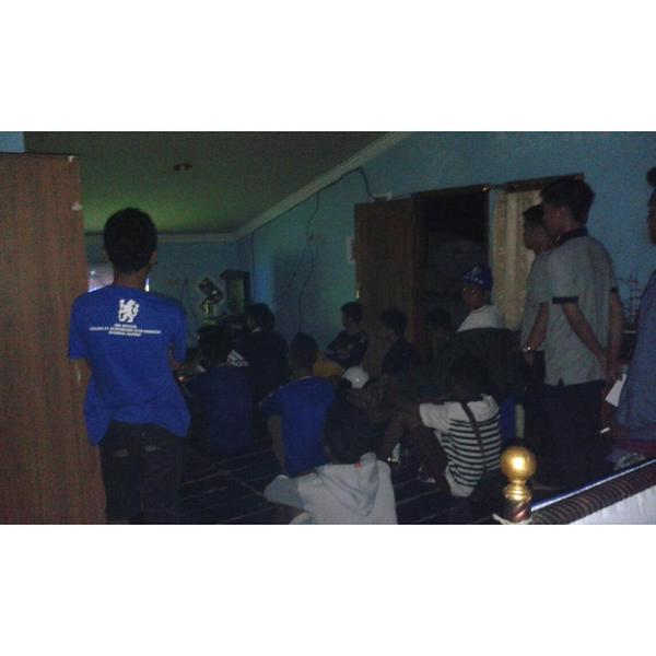 N.A.Y.F 99 @ArielYudha: Suasana Nobar Chelsea vs Man City at Homebase @CISCkupang_ #KTBFFH #ThisIsCISCkupang http://t.co/eV0TT4iADm