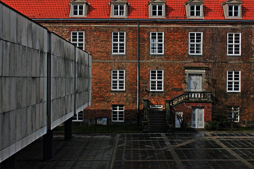 "Kieler Schloss 1 (HDR) • <a style=""font-size:0.8em;"" href=""http://www.flickr.com/photos/69570948@N04/16519071778/"" target=""_blank"">View on Flickr</a>"