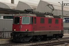 SBB Lokomotive Re 4/4 II 11177 ( Hersteller SLM Nr. 4739 - BBC - MFO - SAAS => Baujahr 1969 ) am Bahnhof Bern Bmpliz Nord bei Bern im Kanton Bern der Schweiz (chrchr_75) Tags: train schweiz switzerland suisse swiss eisenbahn zug sbb re christoph svizzera bahn treno schweizer mrz 44 ffs bundesbahn lokomotive lok suissa 2015 cff re44 chrigu 1503 bahnen schweizerische chrchr hurni chrchr75 bundesbahnen chriguhurni albumbahnenderschweiz albumsbbre44iiiii chriguhurnibluemailch albumbahnenderschweiz201516 albumzzz201503mrz