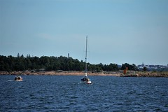 IMG_0341 (www.ilkkajukarainen.fi) Tags: wwwilkkajukarainenfi sailing boat sea meri vene moottori purje luoto maisema saaristo reitti linja merkki espoo helsinki horisontti visit europa eu scandinavia