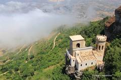 Erice_Castello Pepoli (piero.mammino) Tags: sicilia sicily erice castello castle fog nebbia nuvole cloud piero mammino