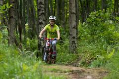 tytto maastopyorailee koivumetsassa (VisitLakeland) Tags: mountain girl bike bicycle forest koivu helmet mtb mets tahko tahkovuori lapsi tytt kypr maasto maastopyrily maastopyr kuopiotahko tahkokids