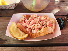 Brooklyn Crab - Snow Crab Roll (chilled snow crab meat topped with Cholula-orange aioli* and chives on a toasted split top bun) (willy cheesesteak) Tags: food seafood redhook brooklyn ny nyc newyork newyorkcity crabroll snowcrabroll brooklyncrab