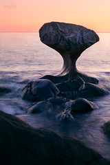 (ingrid.schnelle) Tags: canon eos 5d mark ii ef50mm f18 kannesteinen norge norway northern travel stone rock shape formation sunset waves sea ocean water landscape nature mly oppedal evening roadtrip summer 2016