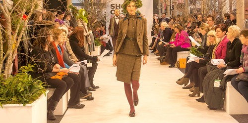 SONIA REYNOLDS PRESENTS HER SELECTION OF THE BEST OF IRISH FASHION- REF-101362