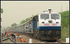 12915 Ashram Express (Jai BGKT) Tags: train aka with north performance running it western shows late express adi favourite northern nr railways ki dli wr gujarat ashram slightly approaches terrific nwr bhagat kothi shf palam a my as 40002 wdp4 bgkt