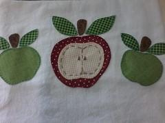 """20150223_142559 (""""ARTEIRICES"""" By R IANGUAS) Tags: frutas de patchwork morango copa panos cozinha cereja maa pera apliqu futas panosdepratos"""