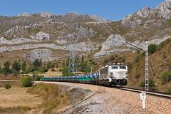 251 Pajares (Nohab0100) Tags: españa tren spain espanha locomotive pajares mitsubishi tran locomotora comboio renfe castillayleón locomotiva 251