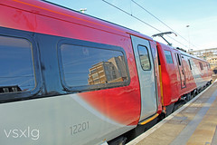 Looking Red Hot! (VSXLG) Tags: red london station train coast edinburgh cross main leeds rail railway trains class line east virgin kings national locomotive vt 91 stagecoach eastcoast dvt virgintrains richardbranson vtec ecml 91124 flyvirgin redvirgin virgintrainseastcoast werevirgin
