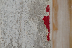 Red paint (Spannarama) Tags: red diy peeling paint panel stripped asbestos redpaint