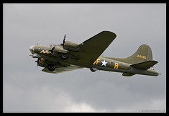 BOEING B-17G FLYING FORTRESS. 1 (adriangeephotography) Tags: sport photography flying fighter display aircraft aviation military transport jet saturday sigma hampshire airshow civil planes ww2 adrian gee bomber propeller farnborough d300 2016 150600 adriangeephotography