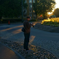 INSTAGRAM 365 Day 211: Shooting at sunset (tomas_nilsson) Tags: instagram365 sweden landskrona photographer photowalk meetup camera sunset dusk warmcolors backlit cellphonephotography lg g4 snapseed postprocessing