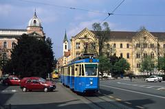 HR - Zagreb - Tramway (blockstelle.de) Tags: astation azagreb alland alkroatien ao2strasennamen ao2trgmarsalatito bhrkroatischebaureihe bhrstrab cordnungsnummer c142 eevubzwfahrzeughalter ezet jaufnahmedatuminjjjjmmtt j20030413 zagreb cityofzagreb kroatien hr zug zge bahn eisenbahn lok railway railroad train fullhd tram croatia
