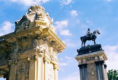 Madrid |  (Antnio Jos Rocha) Tags: espaa madrid cidade capital escultura esttua arquitectura arte rei alfonsoxii luz cavalo bronze parque retiro natureza beleza pedra colunas