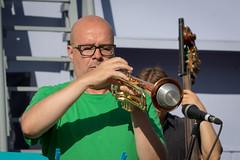VFI_1352 (Ville.fi) Tags: raahe rantajatsit rajatsi jazz ruiskuhuone festival beach lauantai2016 mikko innanen 10 mikkoinnanen alttojabaritonisaksofonipaulilyytinen tenorijasopranosaksofonijussikannaste tenorisaksofoniverneripohjola trumpettimagnusbrooswe trumpettijarihongisto pasuunamarkuslarjomaa pasuunaseppokantonen pianovilleherrala kontrabassoeerotikkanen kontrabassojoonasriippa rummutmikakallio rummut
