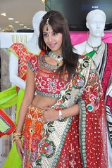 South Actress SANJJANAA Photos Set-4 (1)