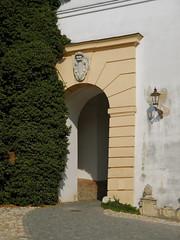 Mikulov (Harald Reichmann) Tags: tschechien mikulov schloss museum tor architektur