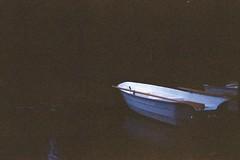 (Christian Gttner) Tags: boot boat d bt analog analogue natur nature natura nacht sverige sweden szwecja schweden night 35mm europa ricoh ricohkr10 outdoor umwelt summer sommer lato reflection spiegelung odbicie landscape wasser water see lake film krajobraz
