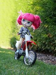 365/366 Got a bike (omgdolls) Tags: blythedoll blythe blythe365 adelaideskye dollypunk21 pureneemobody pink