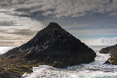 Am Buachaille Rocks 2 (13 Monkeys) Tags: mull scotland staffa basalt columns fingalscavesea water clouds sun