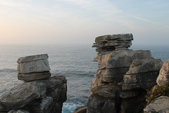 (jireneg772) Tags: sea mar acantilados piedras rocks sunset peniche portugal canon
