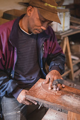 Narcisse Shows us the wood inlay process.