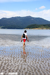 Yorch (Lst1984) Tags: boy summer man reflection guy beach young playa galicia verano chico hombre joven ortigueira lsarabia lst1984 luissarabia canoneos5dmarkiii