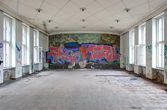 Malwettstreit: Sozialismus gegen Analphabetismus /    / Socialism against illiteracy (photosucher) Tags: germany mural east ddr gdr wandbild speisesaal konferenzraum neubrandenburg realismus sozialistischer