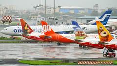 (Aiel) Tags: finnair bombay airbus boeing mumbai a340 a320 airindia b737 oneworld jetairways canon400d airindiaexpress goair sigma18200os