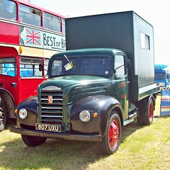 333 Fordson Thames Trader ET6 4D (1953) (robertknight16) Tags: ford thames truck lorry british 1950 trader fordson smallwood bigstuff 271npu