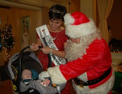 Maria Walsh and Santa with Orla Regan